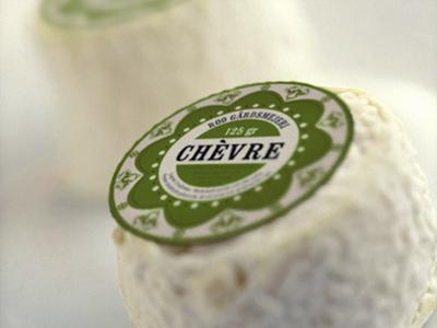 ekologisk mat ost gård mejeri designbyrå stockholm grafisk formgivning formgivare design visuell identitet profil logotyp förpackning förpackningsdesign